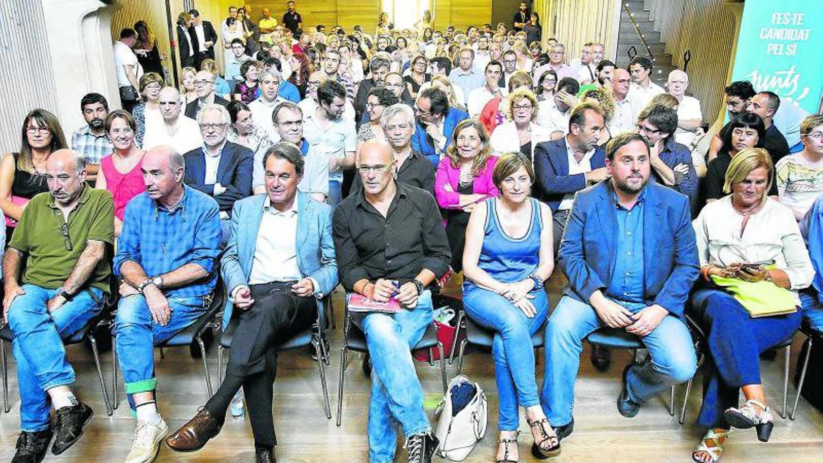 El recinte modernista de l'antic hospital Sant Pau va acollir una sessió de treball dels 135 candidats que integraran les llistes de Junts pel Sí per a les eleccions   Del 27-S.