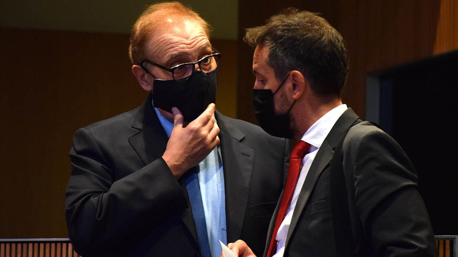 Els presidents dels grups parlamentaris socialdemòcrata i de Terceravia+UL+Independents, Pere López i Josep Pintat / MF
