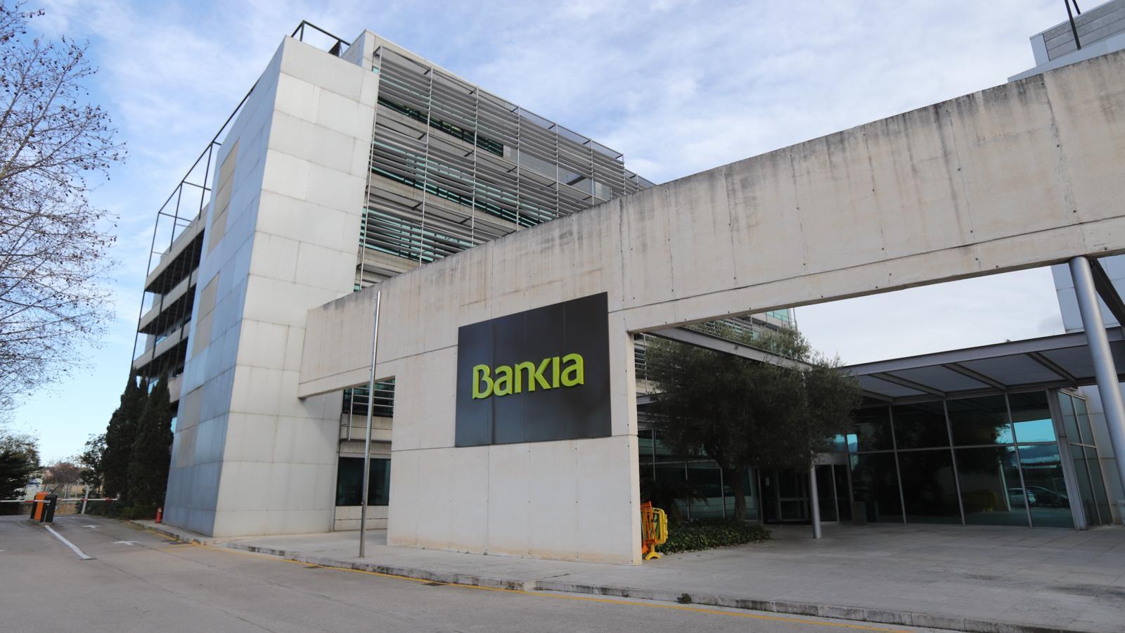 Oficina de Son Fuster amb el logotip de Bankia