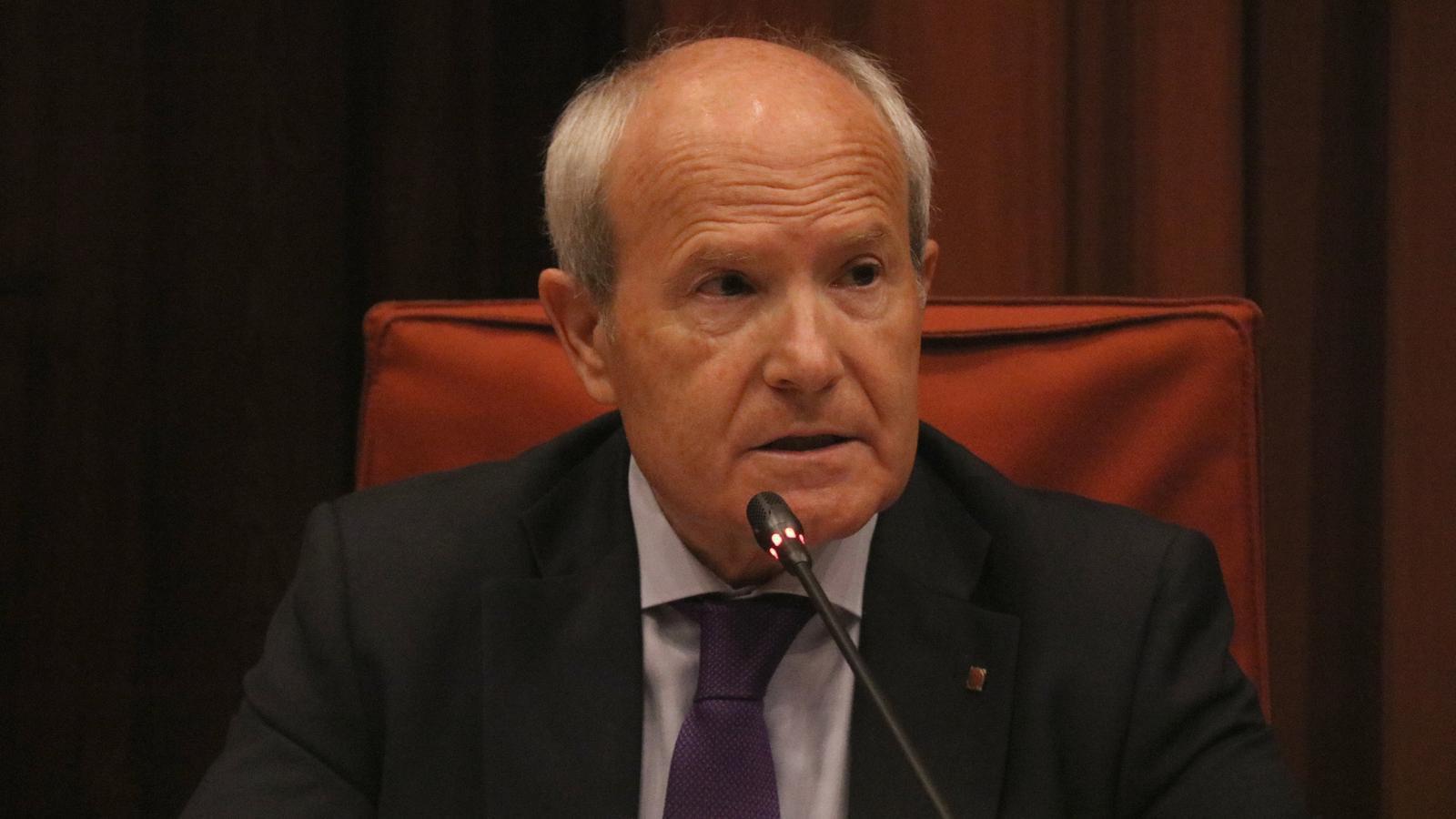 L'expresident de la Generalitat José Montilla durant la seva compareixença a la Comissió d'Investigació sobre el Projecte Castor al Parlament
