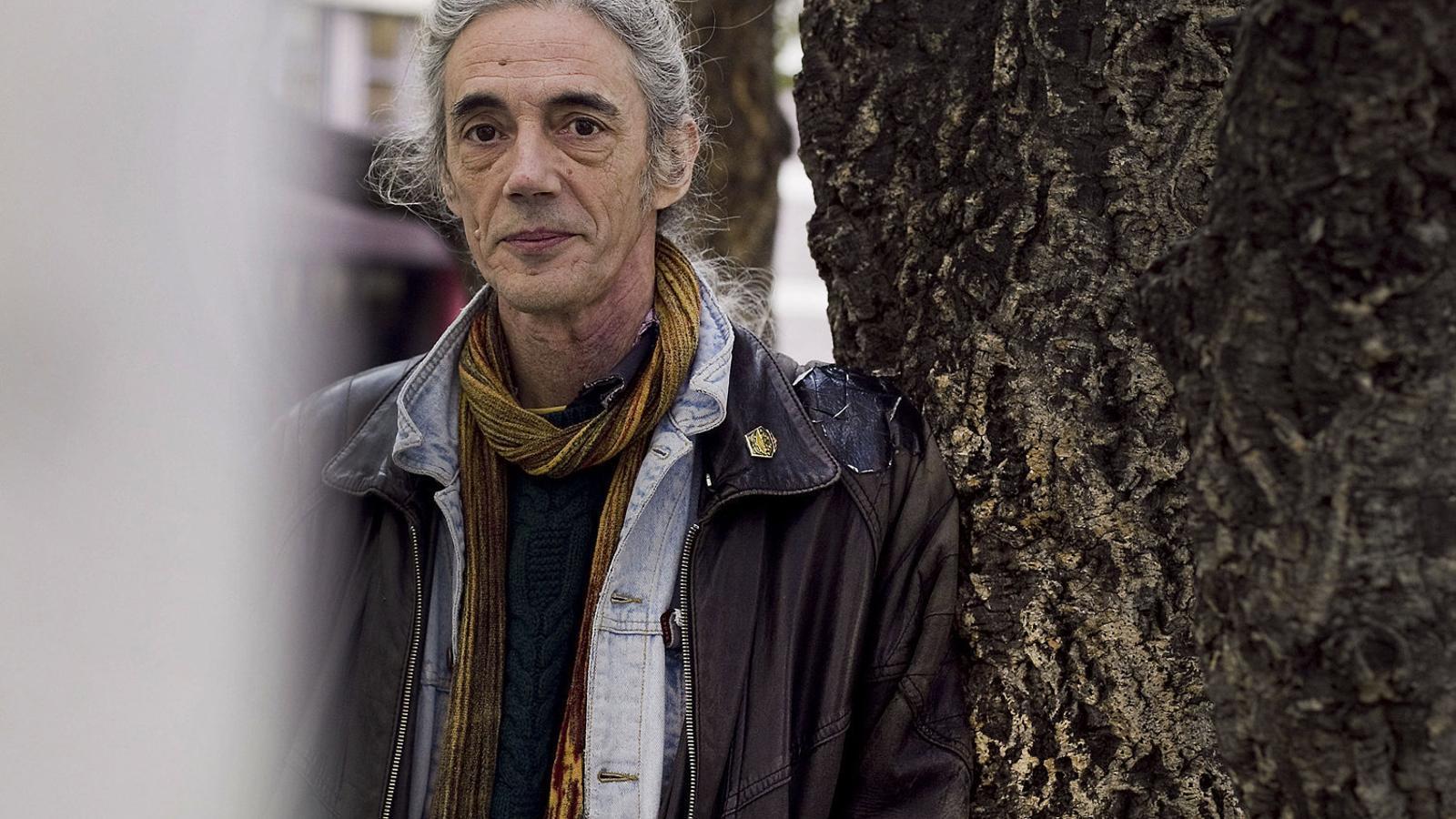 """ENRIC CASASSES: """"Víctor Català fa una crítica despietada  a la hipocresia i l'organització social"""""""