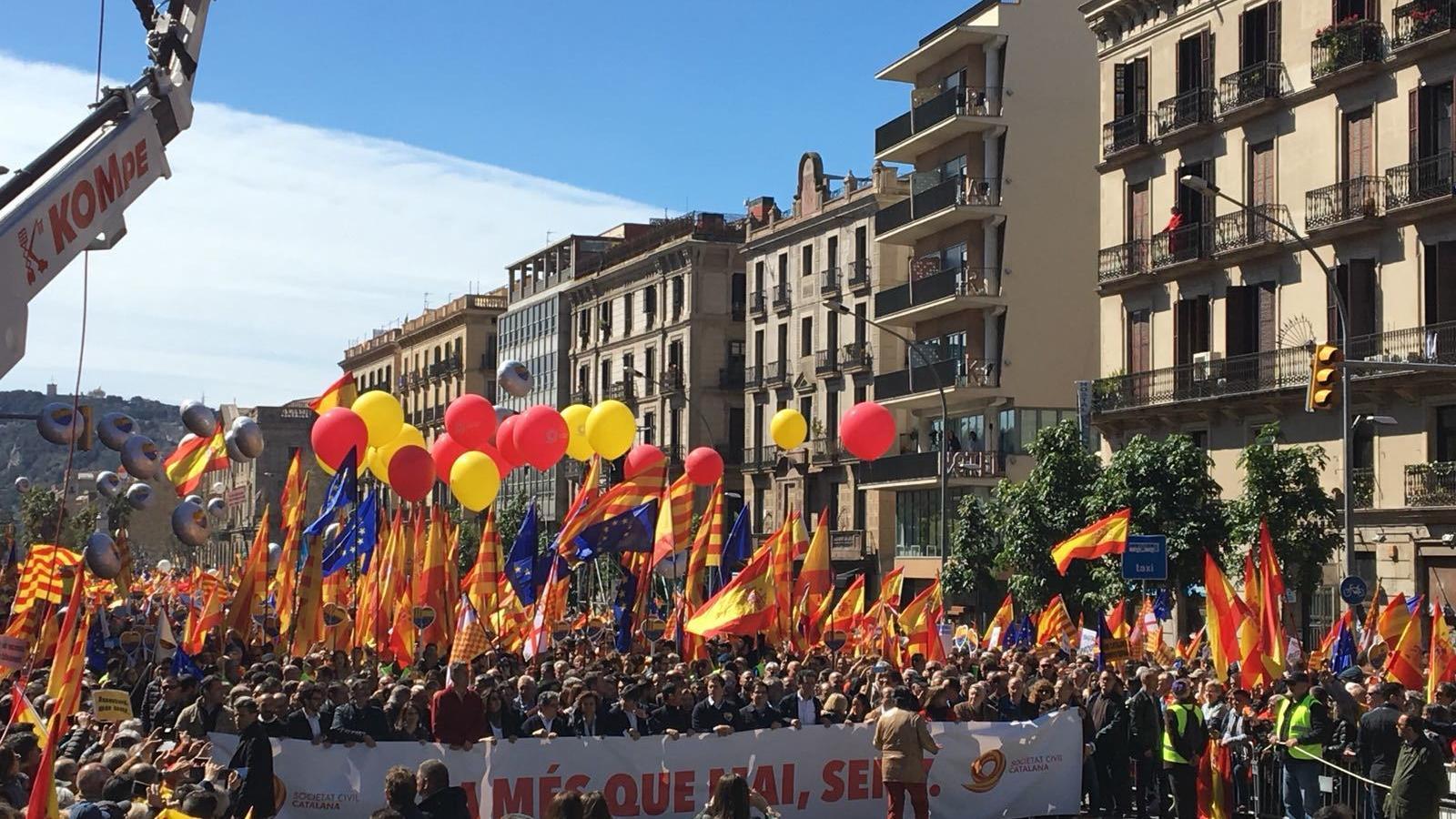 """Societat Civil es manifesta per un Govern amb """"seny"""""""