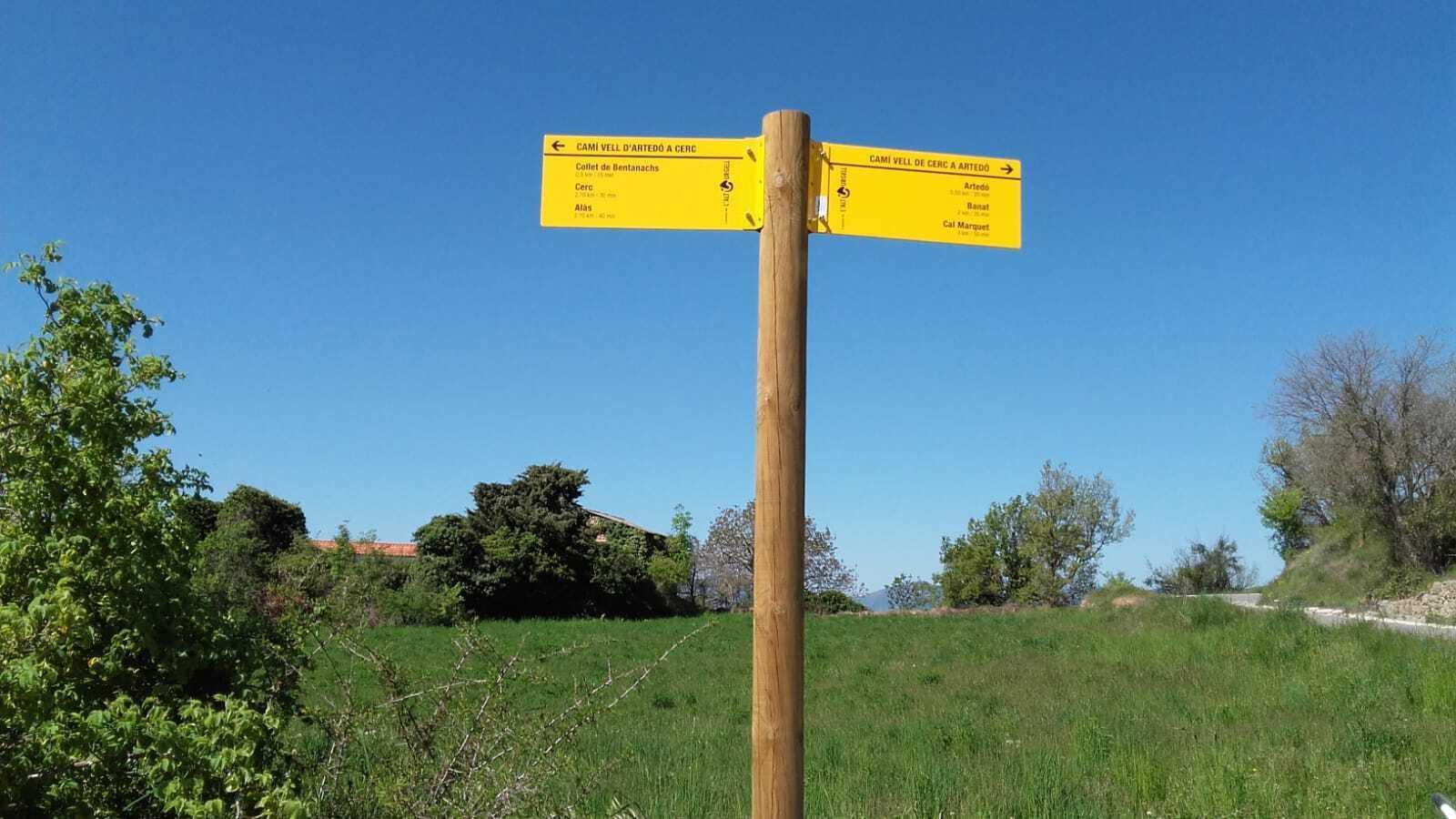 Un indicador de senders al municipi d'Alàs i Cerc. / CONSELL COMARCAL DE L'ALT URGELL