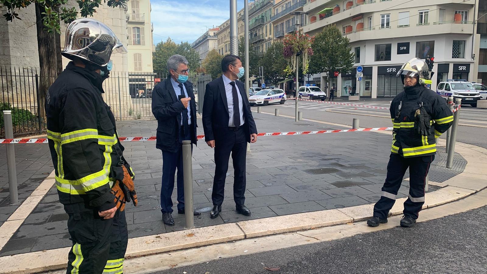 Policia municipal i nacional francesa al lloc on s'ha produït l'atac