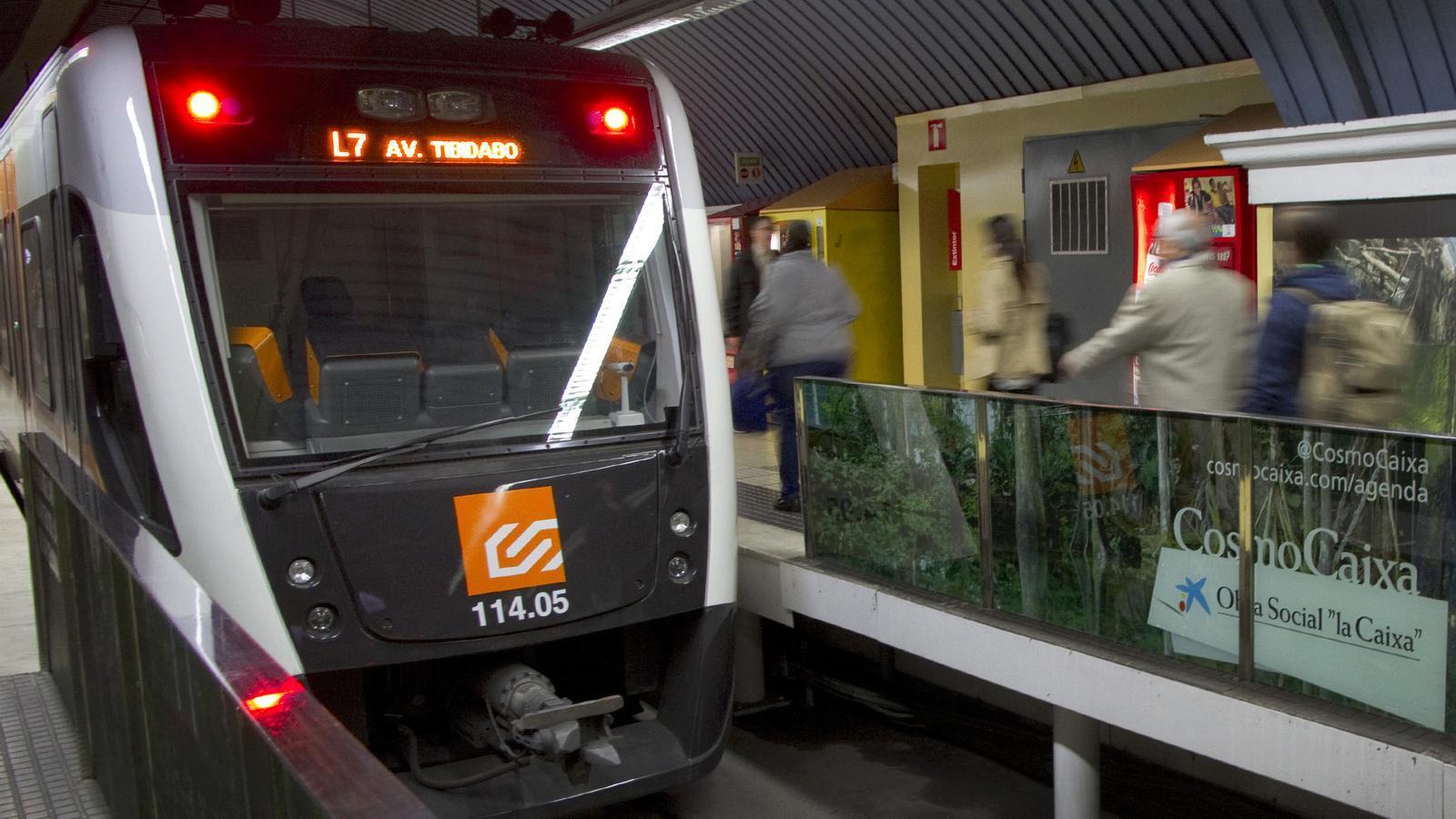 Un tren de la linia 7 dels FGC