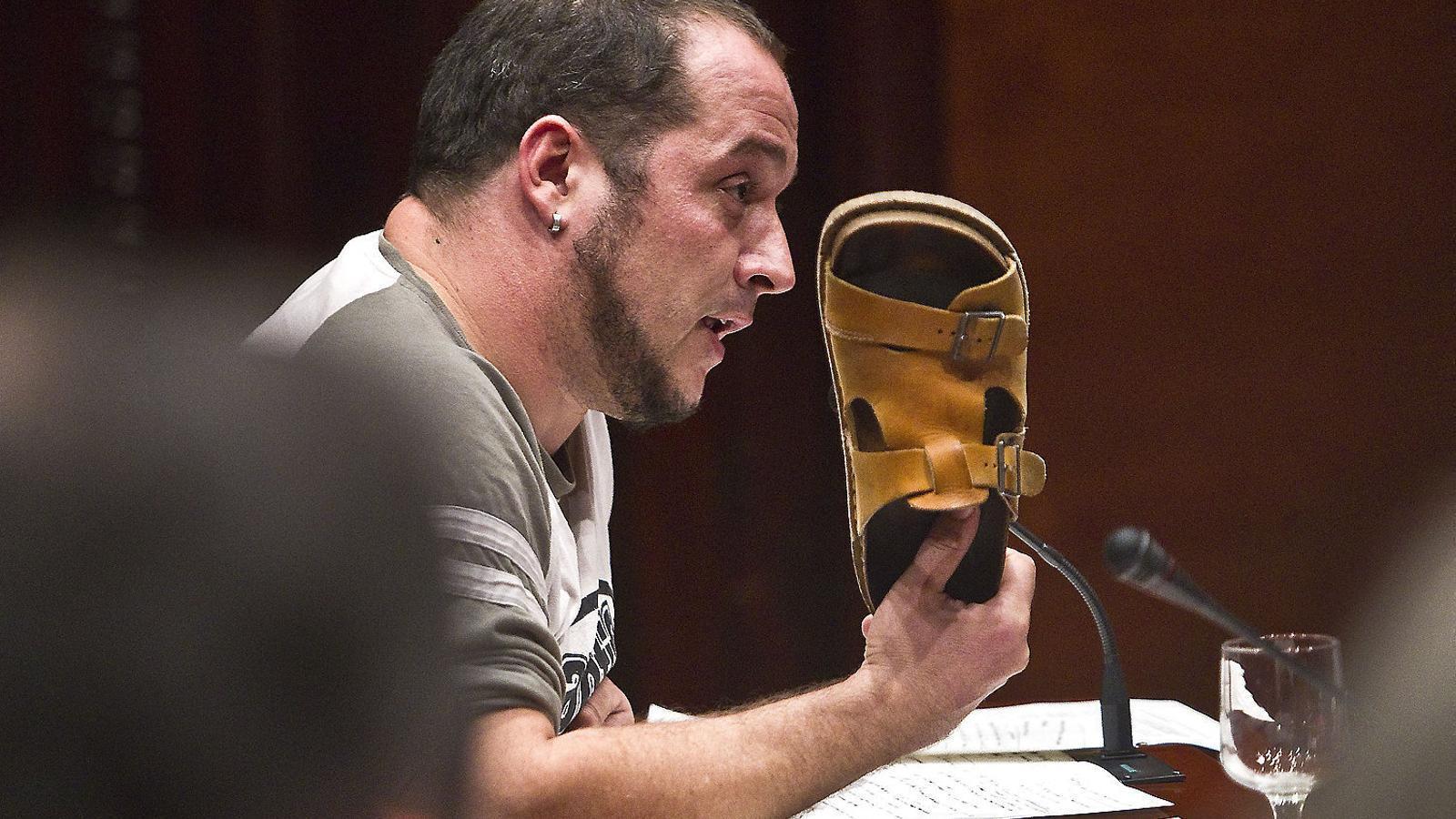 01. David Fernàndez (CUP) a la comissió de caixes.  02. La cadira buida que va deixar Rajoy.  03. El dia que van comparèixer Jordi Pujol i Marta Ferrusola.
