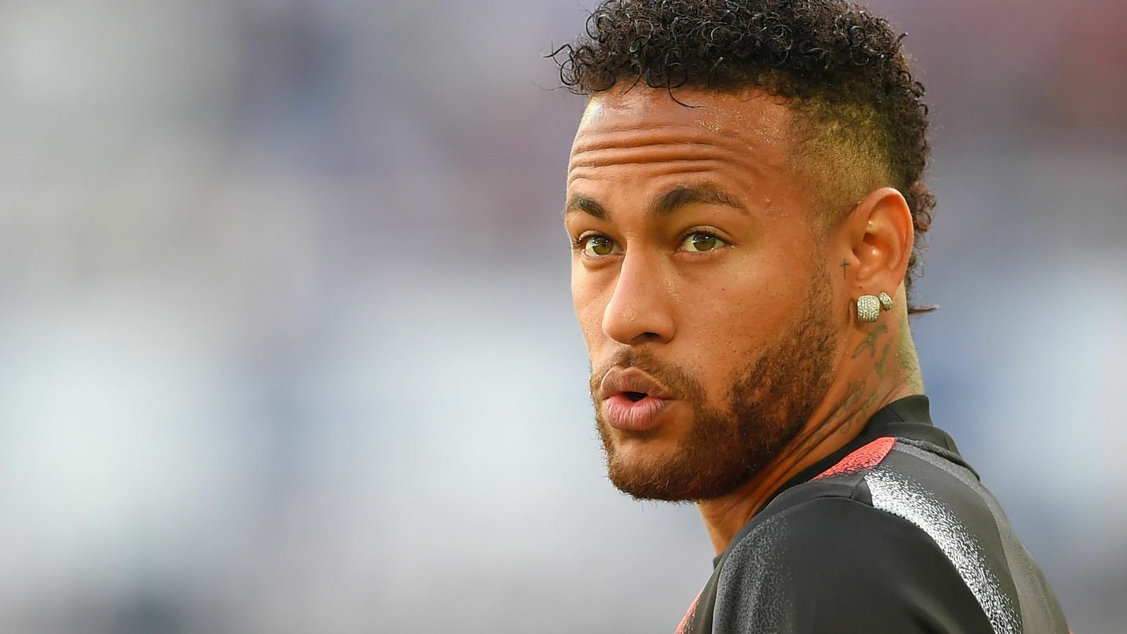 Neymar, abans del partit contra el Burdeus