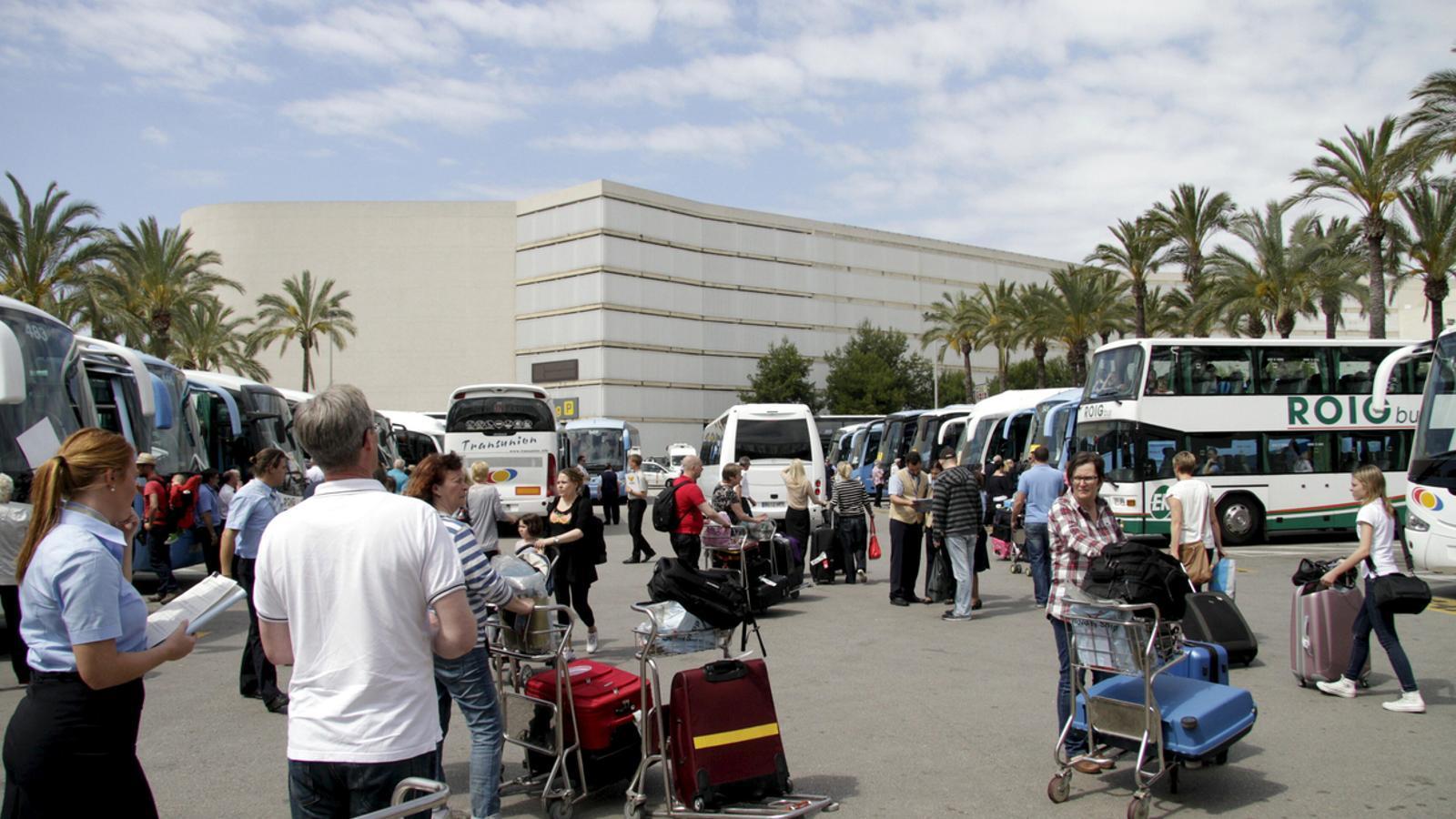 L'aeroport de Son Sant Joan. / ARA BALEARS