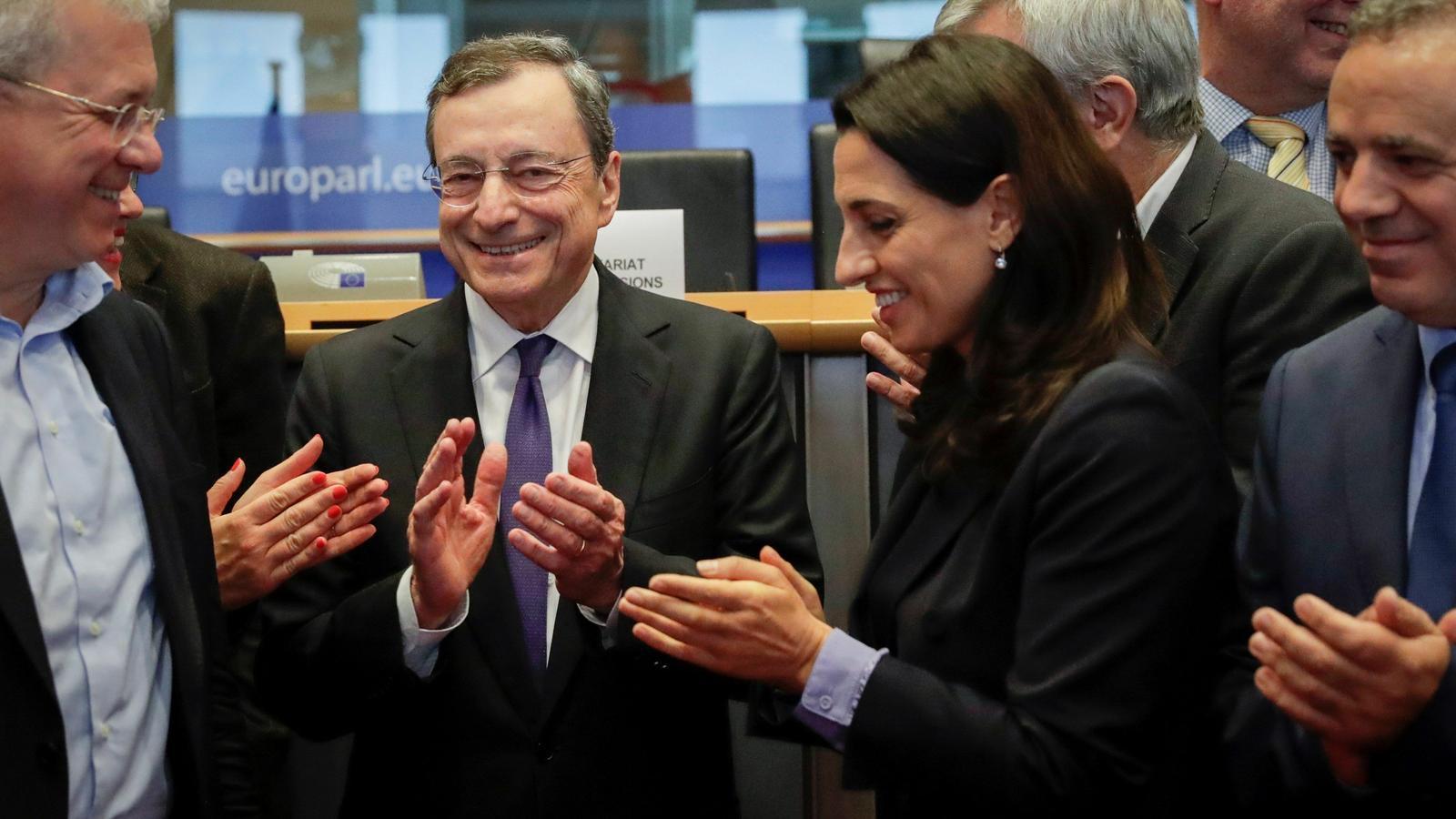 Draghi s'acomiada de l'Eurocambra defensant que encara es poden retallar més els tipus d'interès