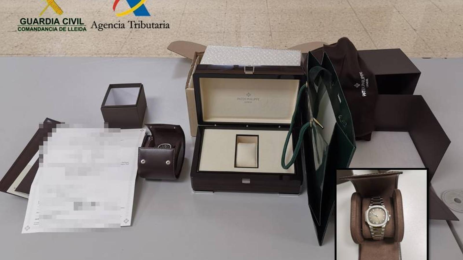 Enxampen un contrabandista amb un rellotge valorat en 28.000 euros