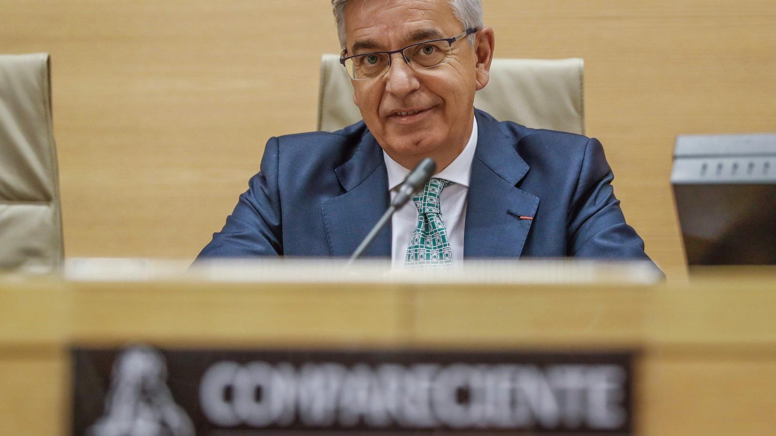 """Sánchez Corbí, el guàrdia civil condemnat per tortures que busca """"porta per porta"""" suposats agressors de policies de l'1-O"""