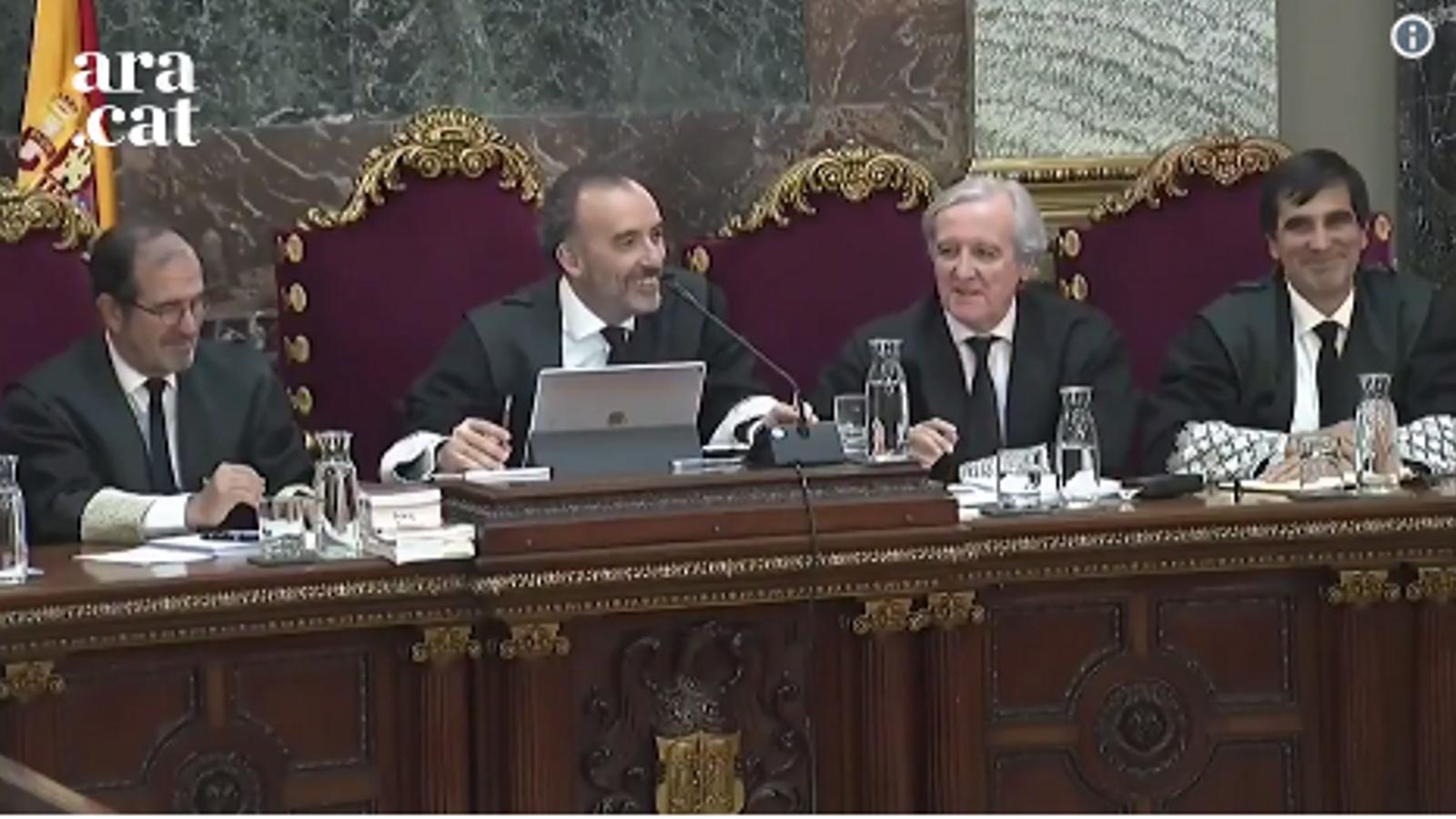 """""""Què fariem sense vostè, senyor Pina?"""": Marchena cita dos cops el mateix policia i l'advocat de Sànchez l'avisa"""