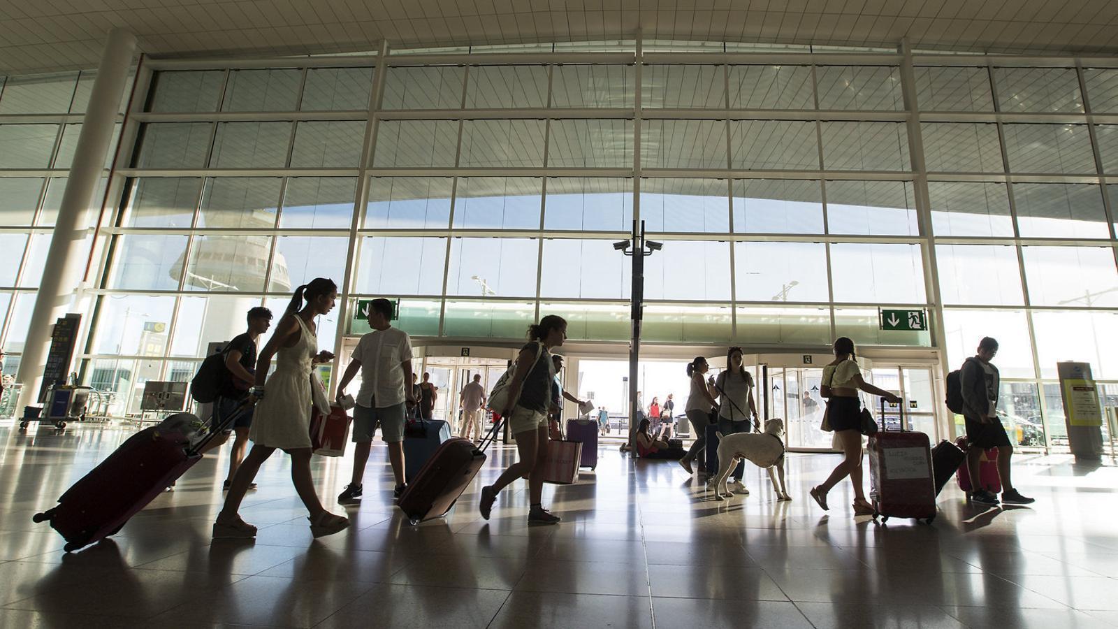 Què hem de fer en cas de retard, cancel·lació o pèrdua d'equipatge?