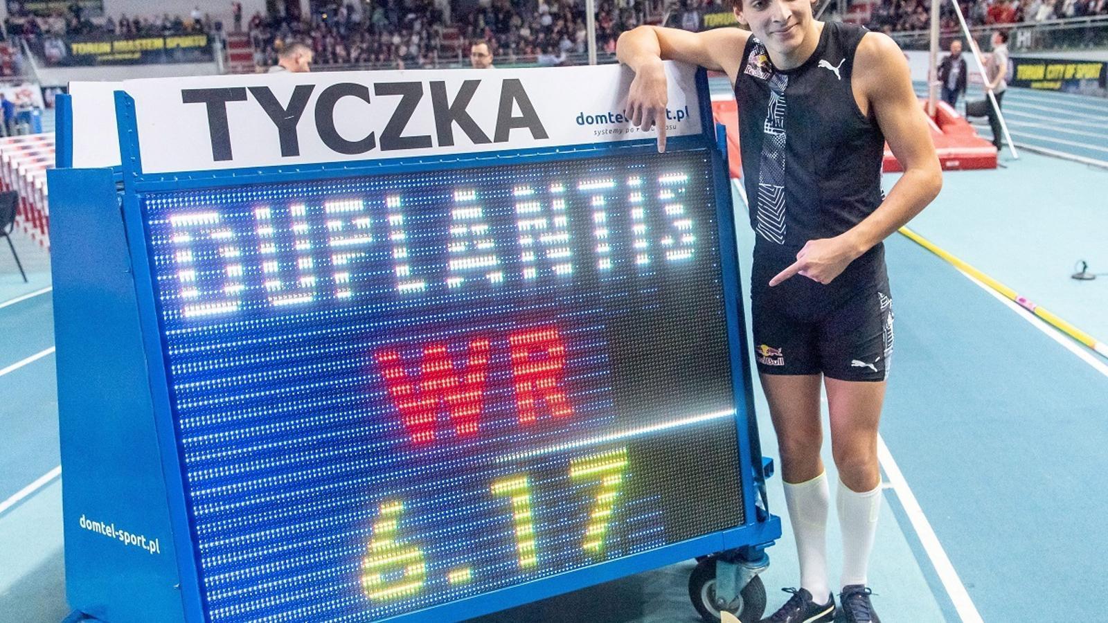 El suec Armand Duplantis va aconseguir un nou rècord de salt amb perxa