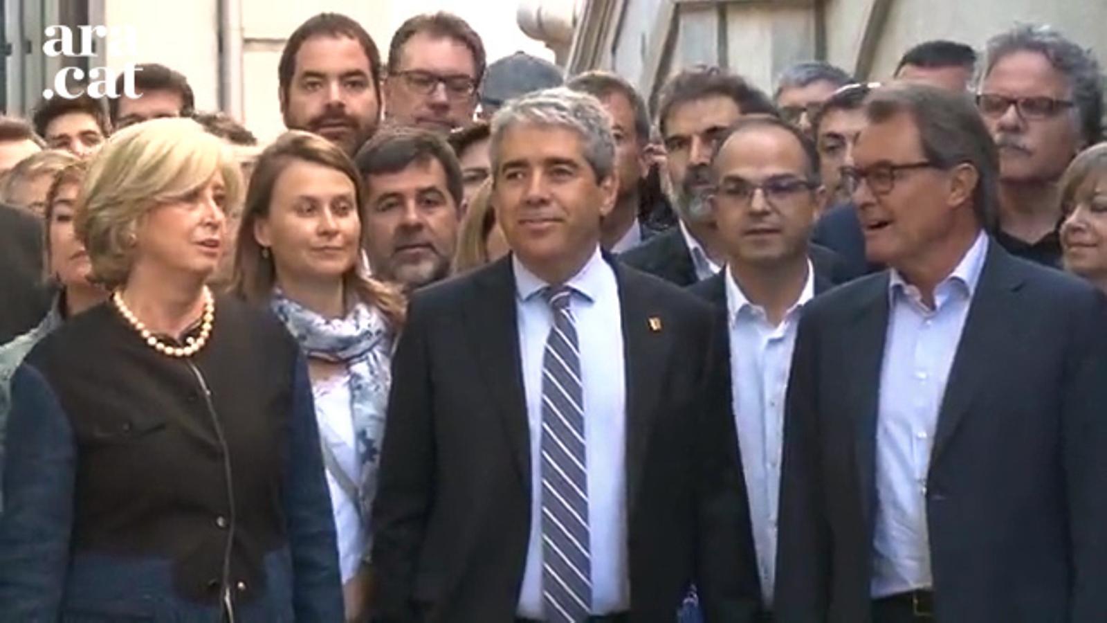Homs arriba al Tribunal Suprem acompanyat per declarar per la consulta del 9-N