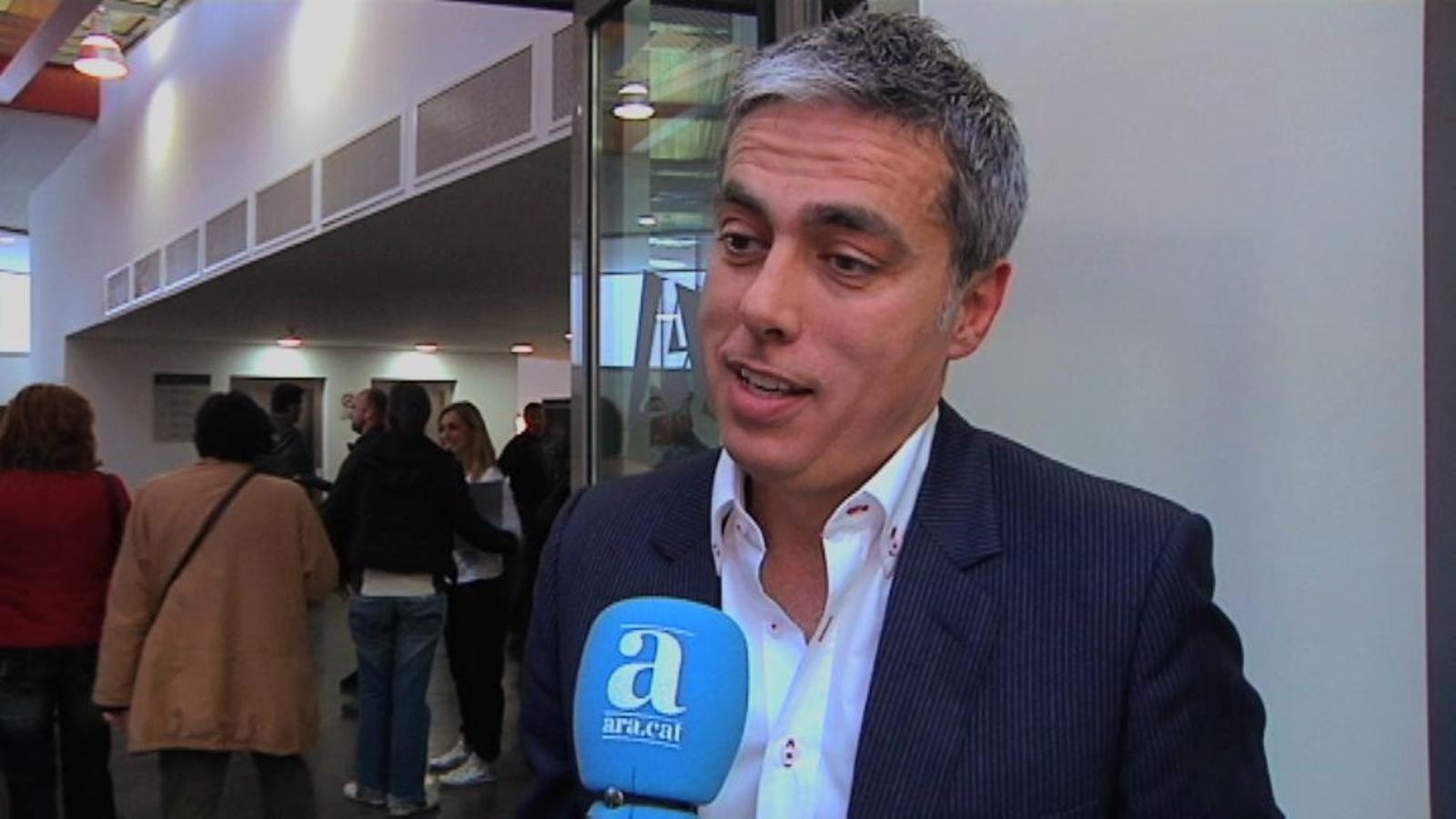 L'èxit de la presentació del documental 'ETA a la ciutat dels sants'