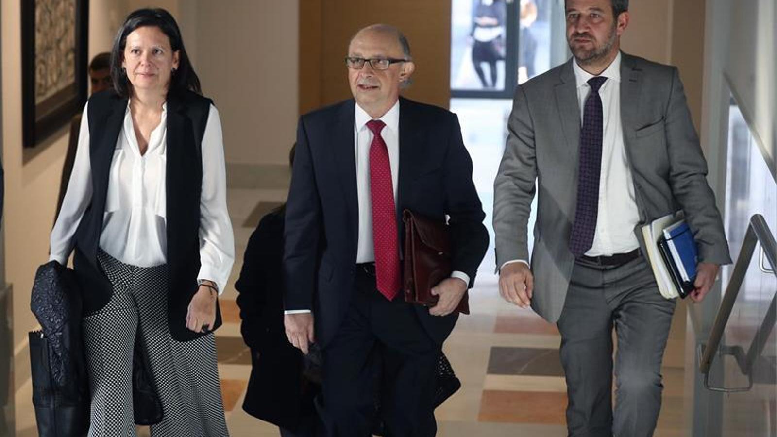 El ministre d'Hisenda i Funció Pública, Cristóbal Montoro, en la seva arribada a la comissió de Pressupostos del Congrés