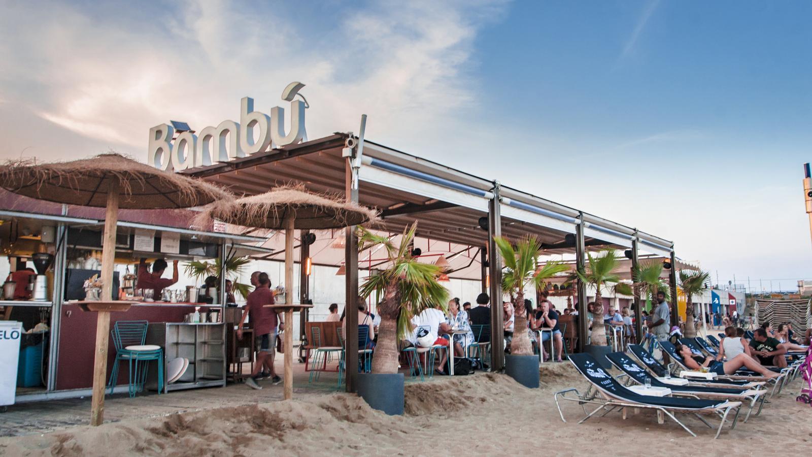El xiringuito Bambú a la platja de Barcelona