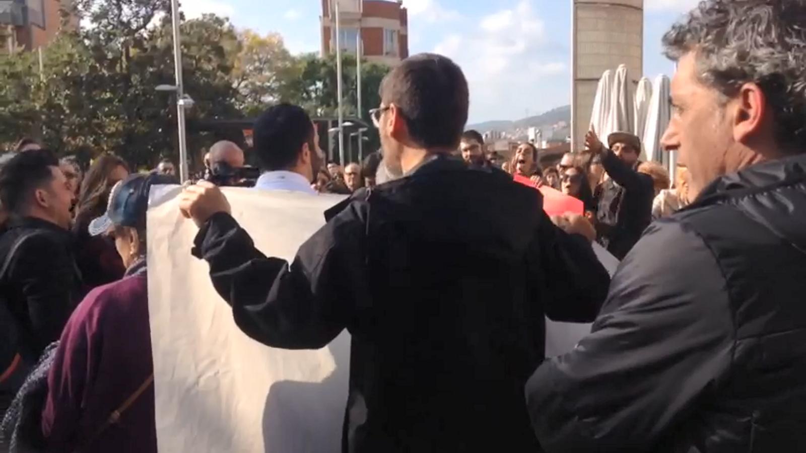 La tensió a la concentració a Santa Coloma de Gramenet per la presència de Plataforma per Catalunya