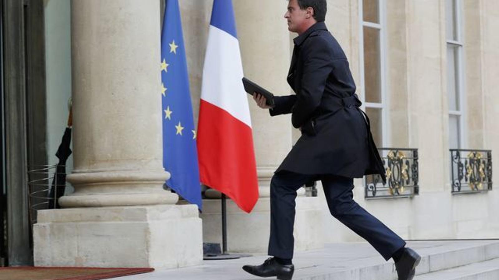 Valls arriba al Palau de l'Elisi, en una imatge d'arxiu.
