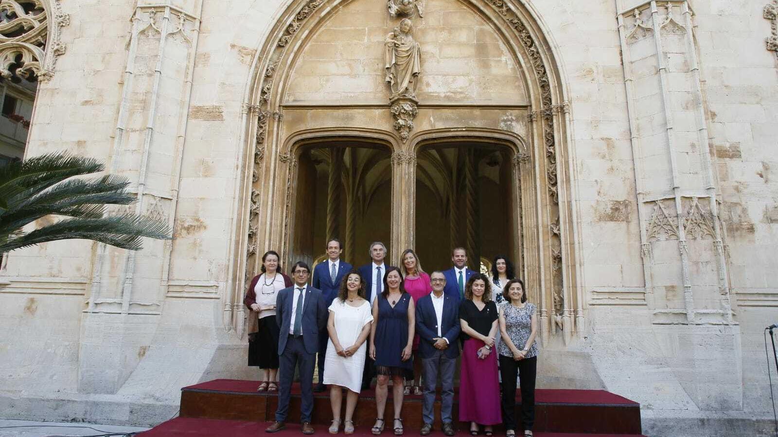 Imatge dels consellers del nou Govern de Francina Armengol.
