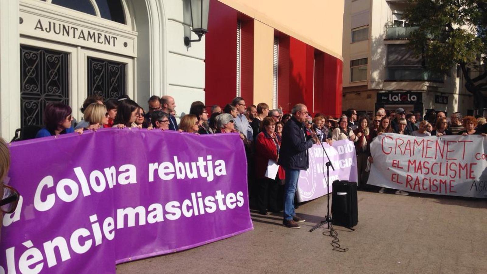 La presència de Plataforma per Catalunya crispa la concentració per l'agressió sexual a Santa Coloma