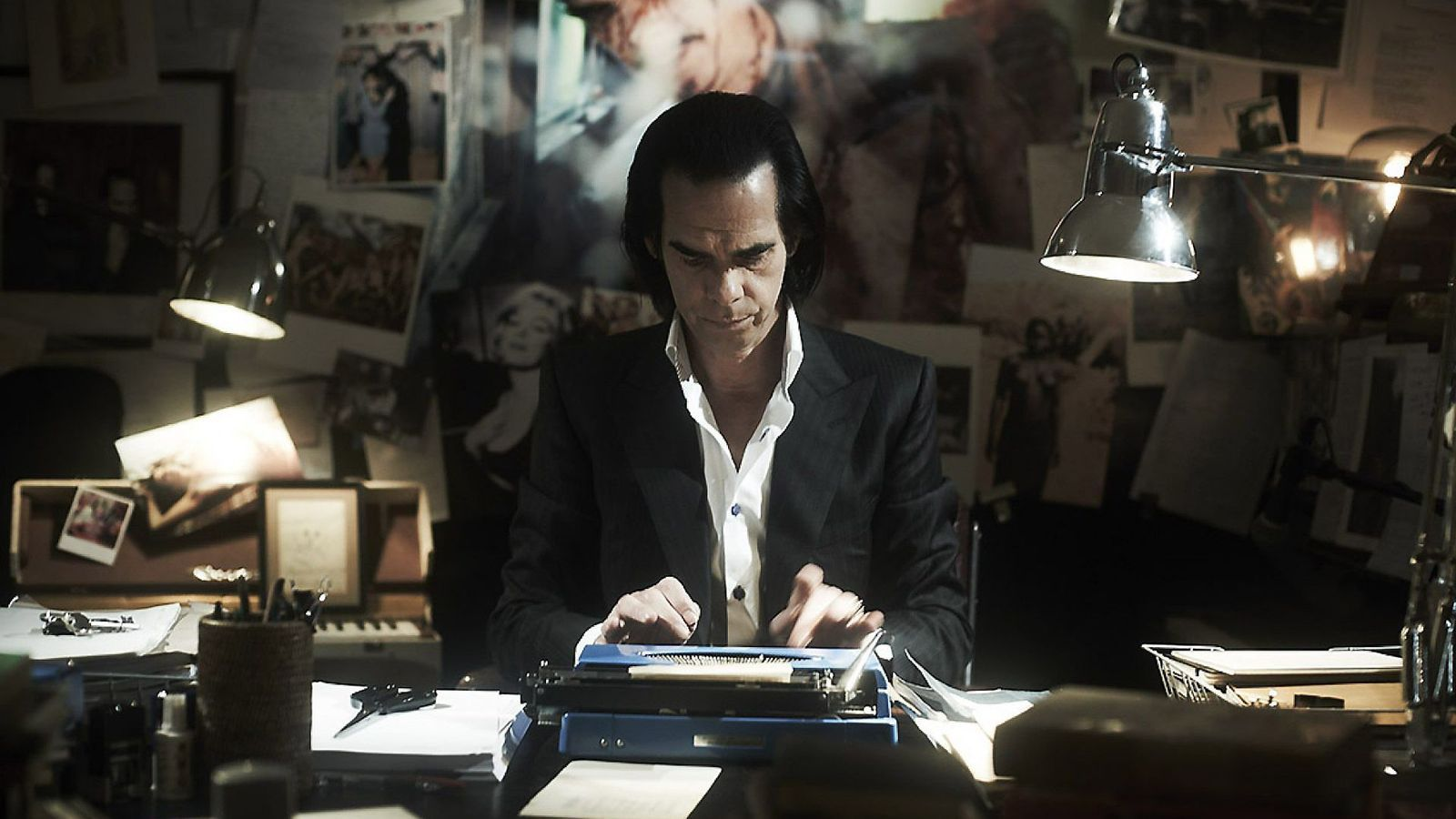 20.000 days on earth explora els fantasmes, la música i la carrera de Nick Cave en un original documental que barreja realitat i ficció.