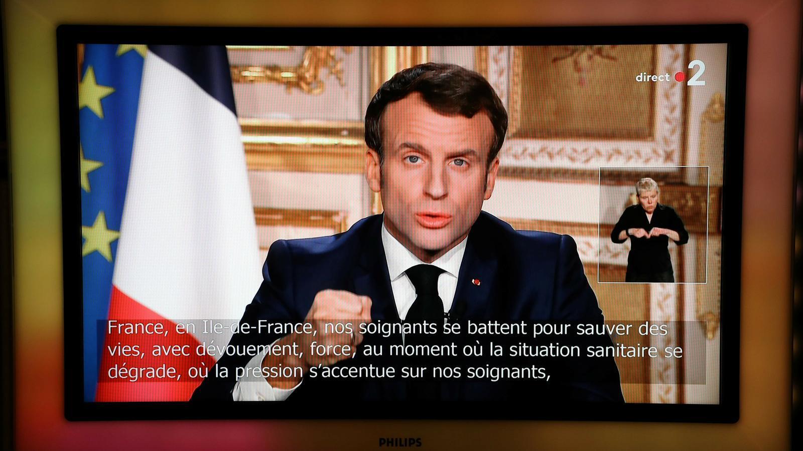 El president francès, Emmanuel Macron, es dirigeix a la ciutadania per la televisió pel coronavirus.