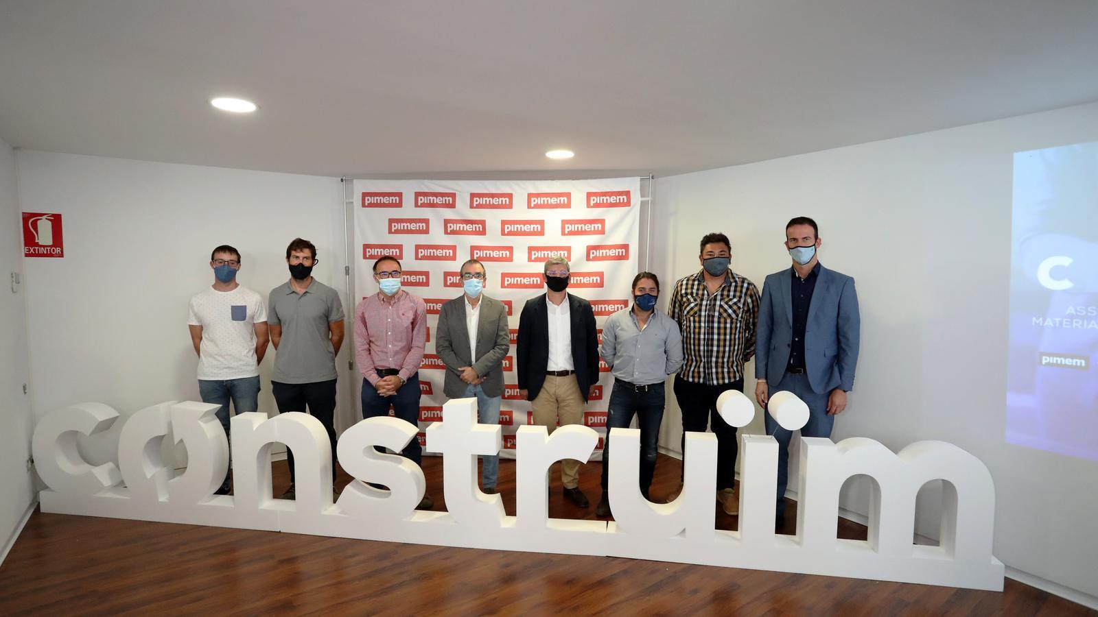 Juan Pedro Yllanes i Jaume Mora amb representants de Construïm