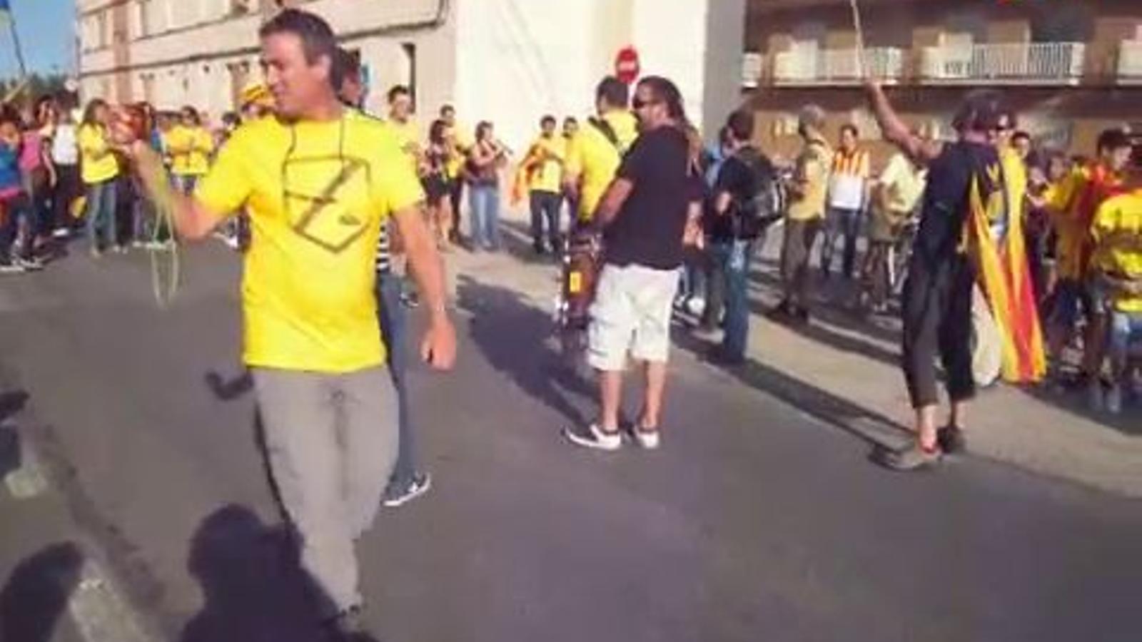La Via Catalana a l'Aldea, a ritme de gralla