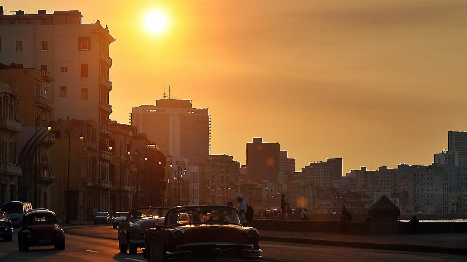 Trump colla Cuba permetent la reclamació de béns expropiats