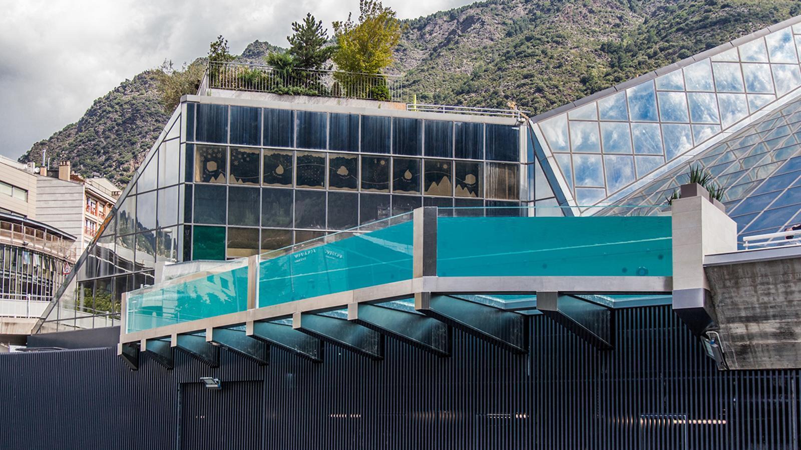 La nova piscina panoràmica, vista des de l'exterior del termolúdic. / CALDEA