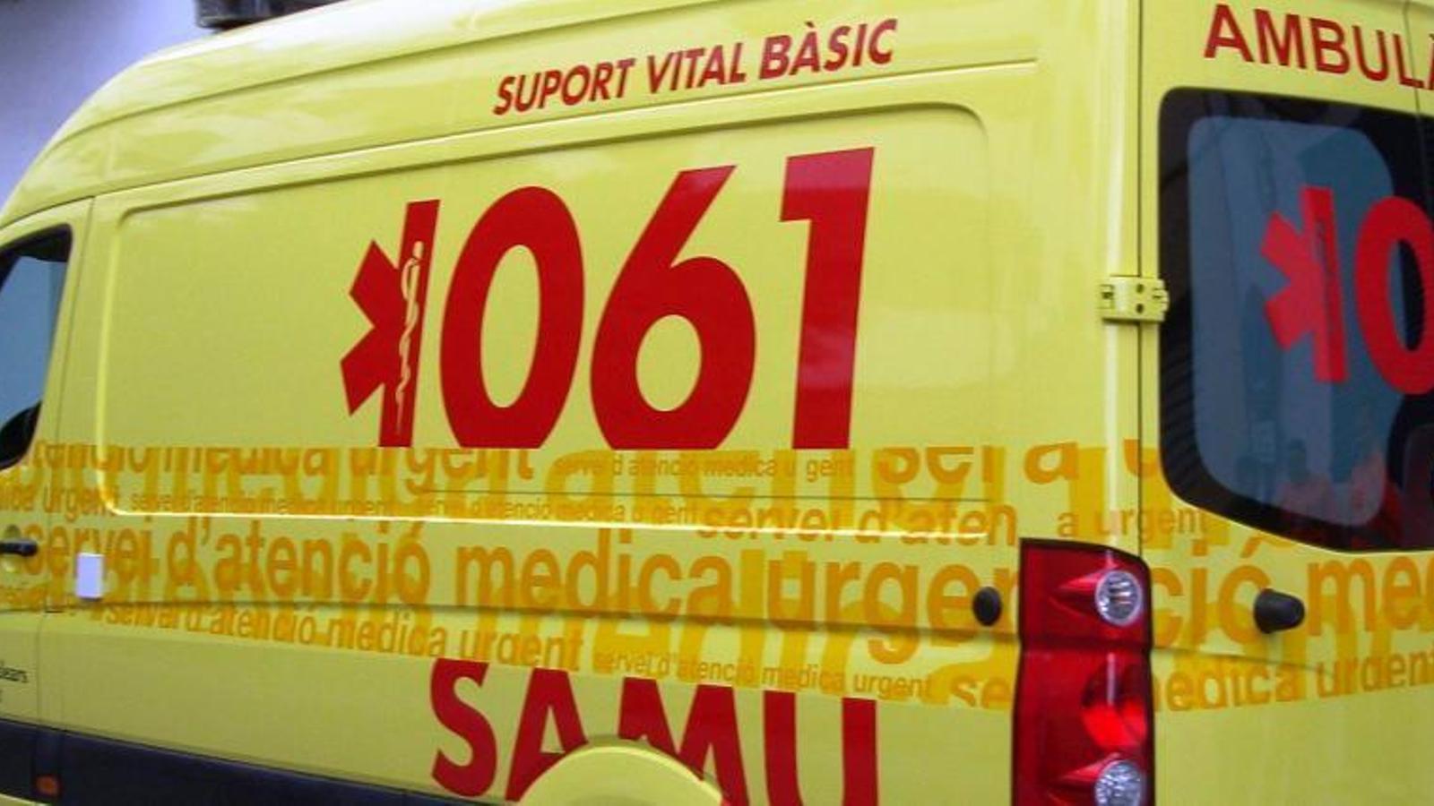 Els serveis del 061 no han pogut fer res per l'home, que ha mort a l'acte.