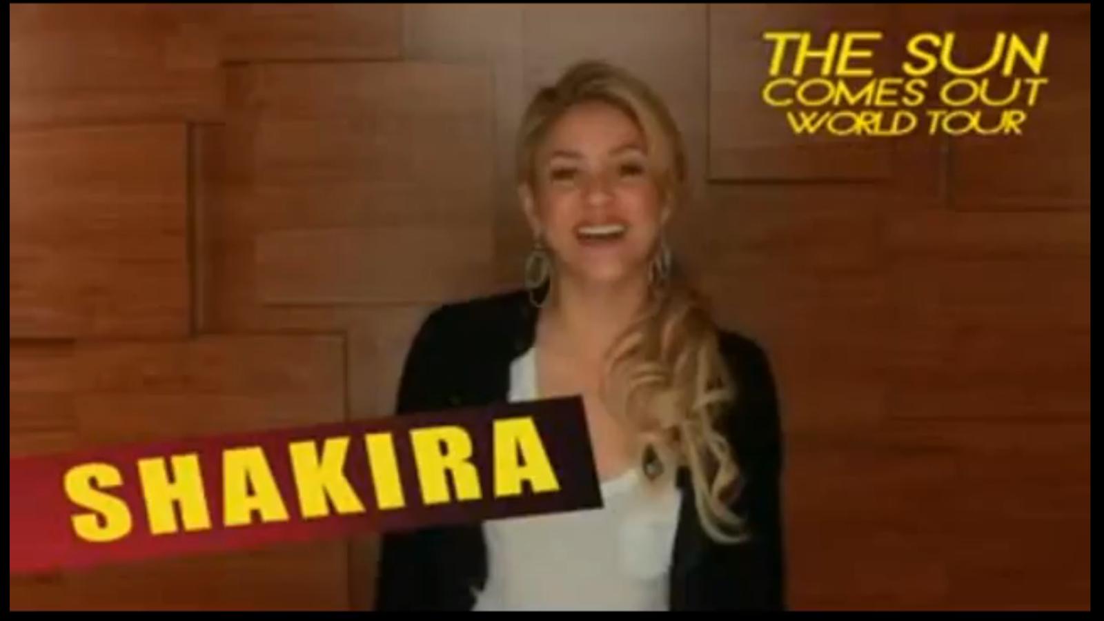 Shakira anima als seus fans a anar al seu concert en català
