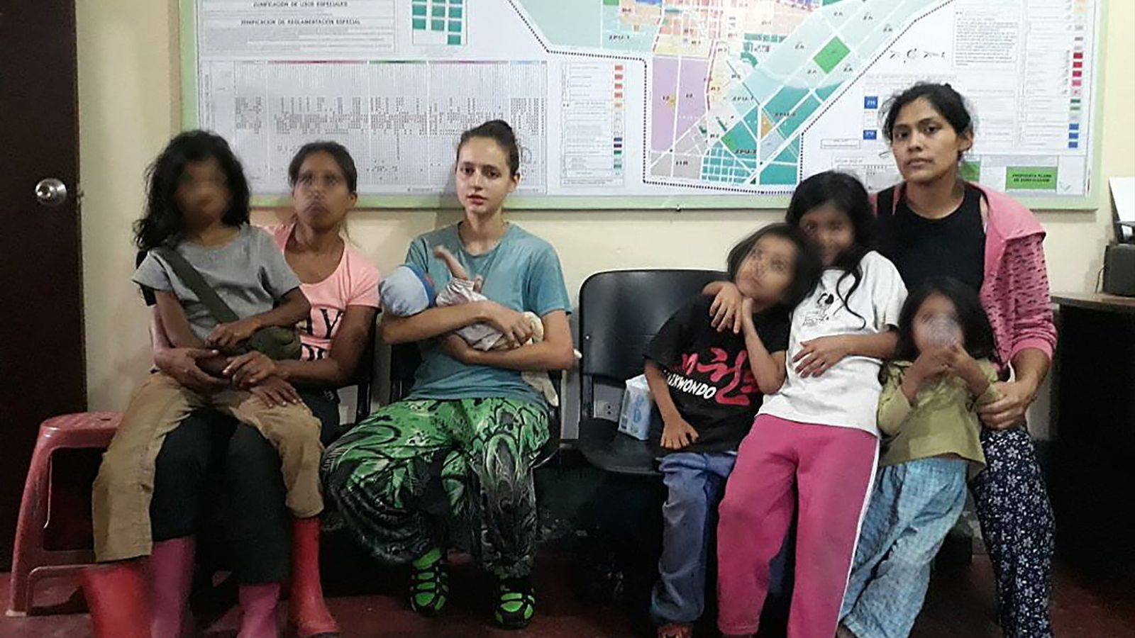 El pare de la jove valenciana presumptament captada per una secta tem que la seva filla no vulgui veure'l