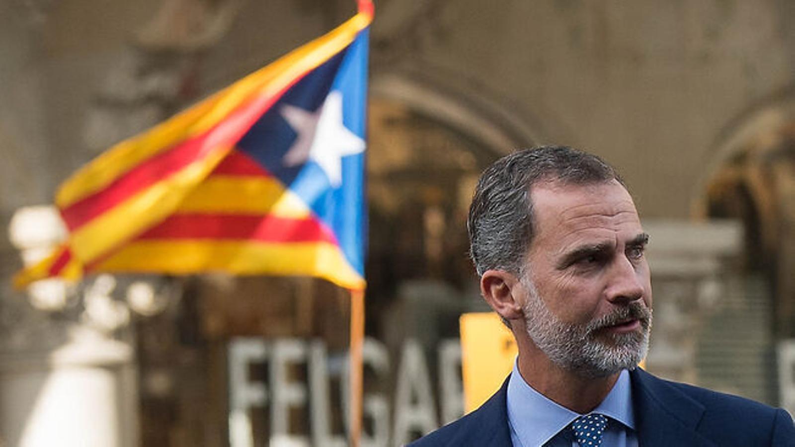 El Parlament demana l'abdicació de Felip VI i reprova Pedro Sánchez amb el vot d'ERC, JxCat i la CUP