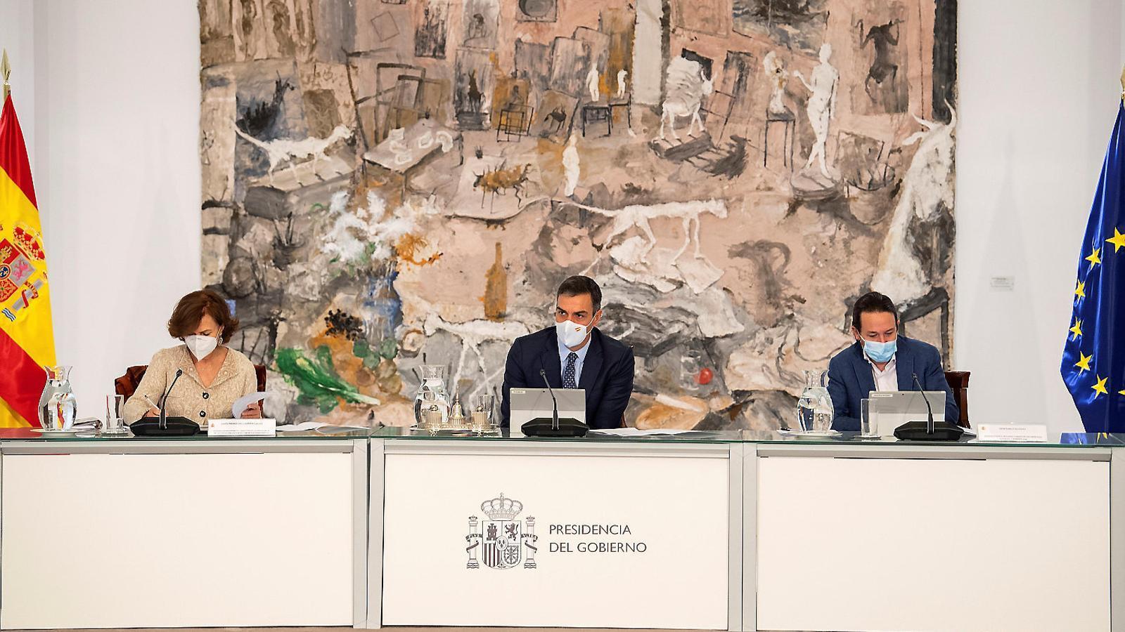 01. La reunió d'ahir del consell de ministres per decretar l'estat d'alarma. 02. Gabriel Rufián (ERC) al Congrés.