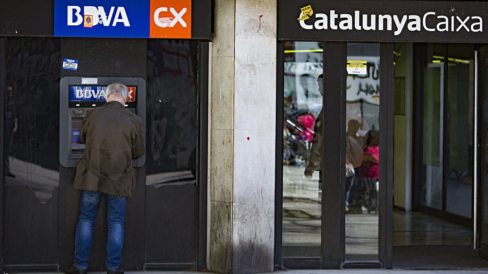 BBVA-CatalunyaCaixa tanca la meitat de les oficines en cinc anys