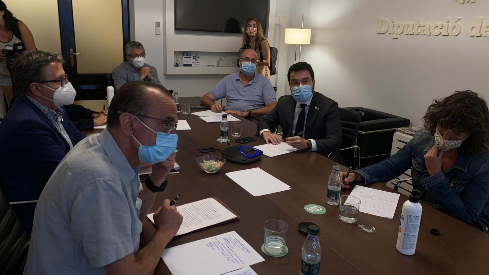La reunió entre l'alcalde de Lleida, el vicepresident del Govern i la consellera d'Agricultura, entre d'altres