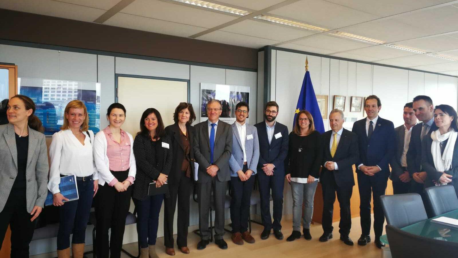 Responsables europeus i de les institucions a Balears s'han reunit a Brussel·les per avançar en matèria energètica.