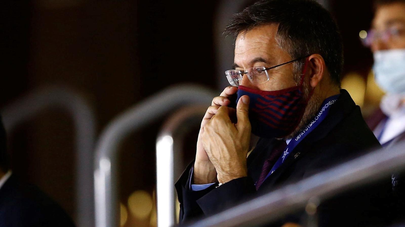 Els futbolistes del Barça, per ara, no s'asseuen a negociar la rebaixa salarial