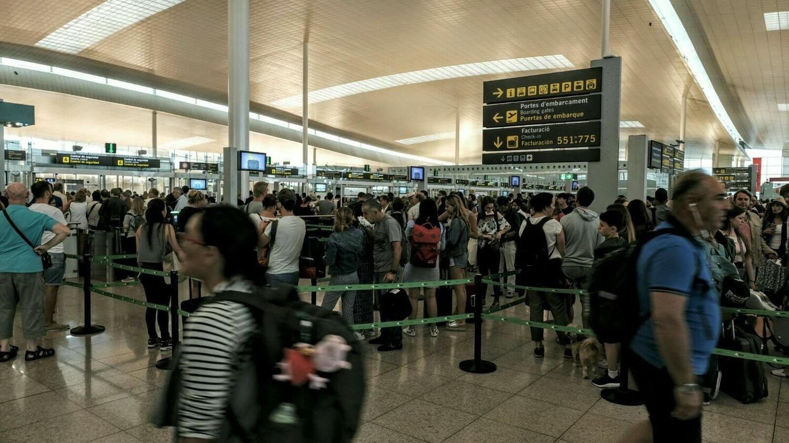 """Les aerolínies asseguren que la situació al Prat és """"materialment millor"""" aquest estiu"""