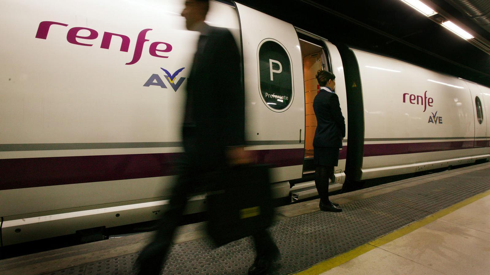 Cinc dies de vaga en plena operació sortida als trens d'alta velocitat i llarga distància