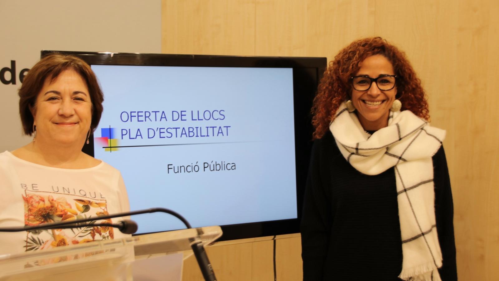 La directora general de Funció Pública, Joana Maria Adillon, i Aurora Jhardi, Tinent de batle de Funció Pública i Govern Interior