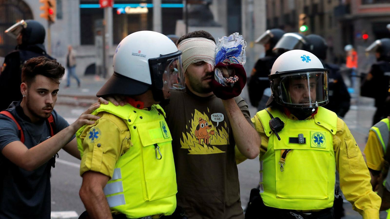 Quatre persones perden un ull durant les protestes a Catalunya