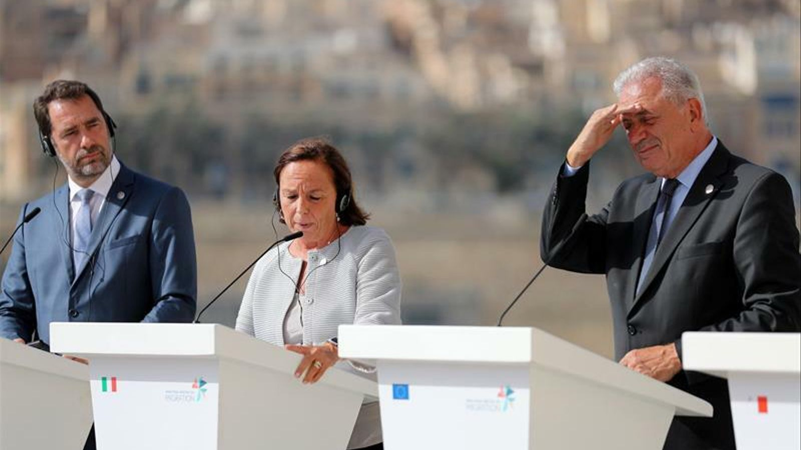 Itàlia firma amb França i Alemanya un acord per reubicar els migrants que arriben a la costa