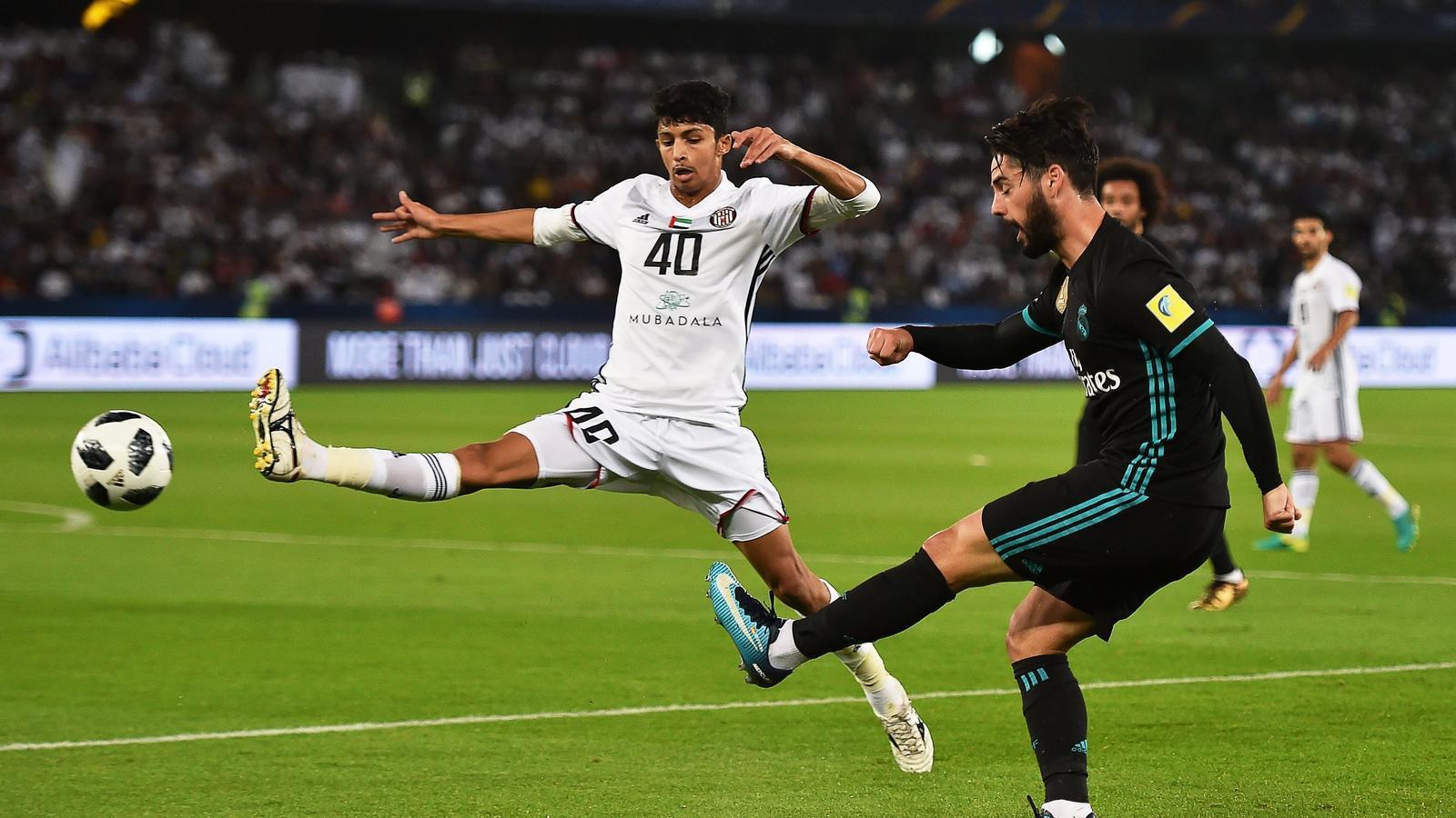 Isco, del Reial Madrid, en una acció a la semifinal contra l'Al Jazira