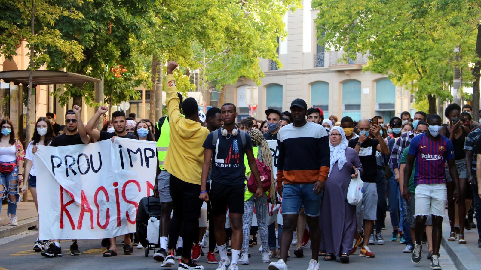 """Denuncien l'agressió racista d'uns mossos: """"Mico, negre de merda"""""""