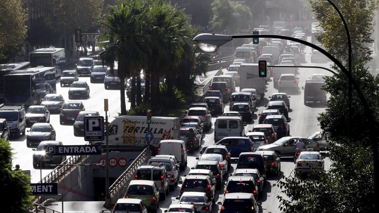 La llei balear de canvi climàtic preveu la prohibició del diesel al 2025.