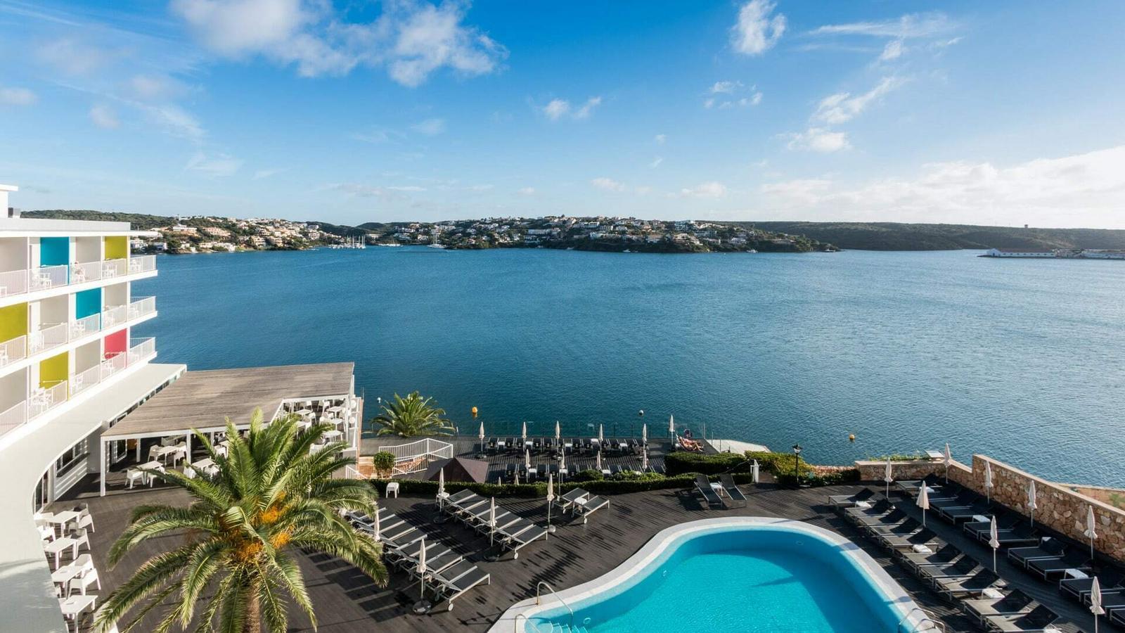 Menorca emprarà l'hotel Carlos III del Castell per a malalts de coronavirus